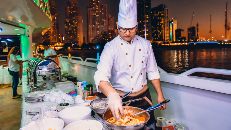 Best Cruise Dinner Places In Dubai