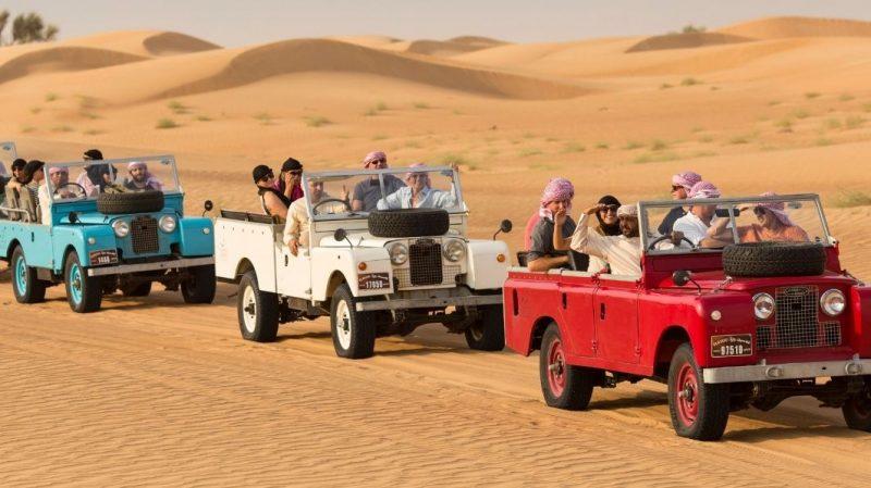 Vintage Land Rover Safari